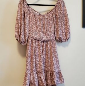 Brand new size small dusty pink floral print dress